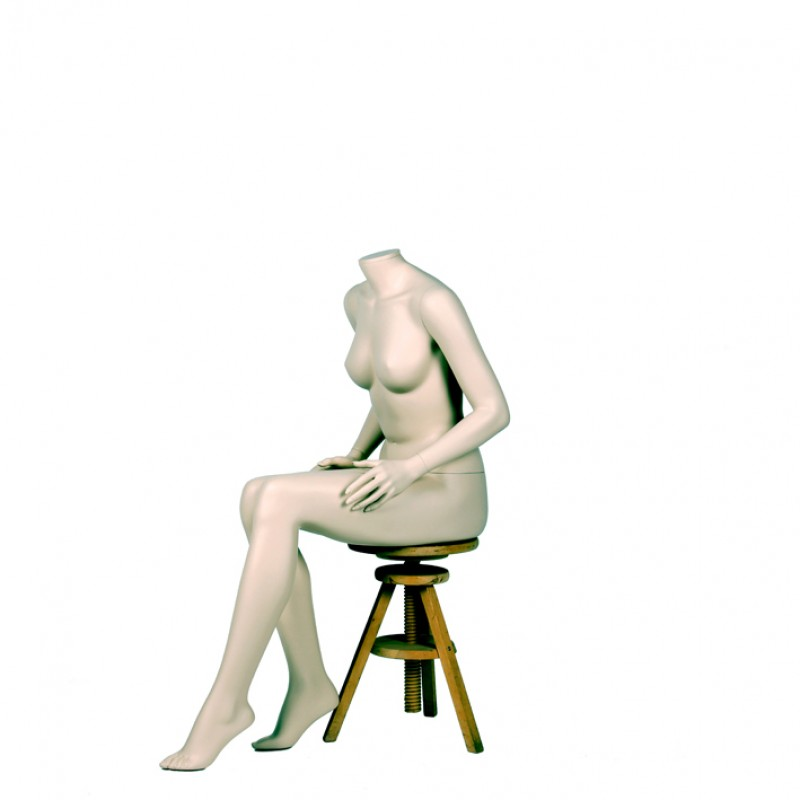 FEMALE MANNEQUIN – SITTING - DARROL 700 SERIES - NECK-LOCK SYSTEM