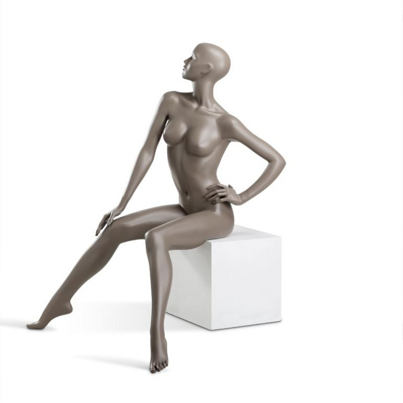 Female mannequin – COY – Hindsgaul – sitting – chair