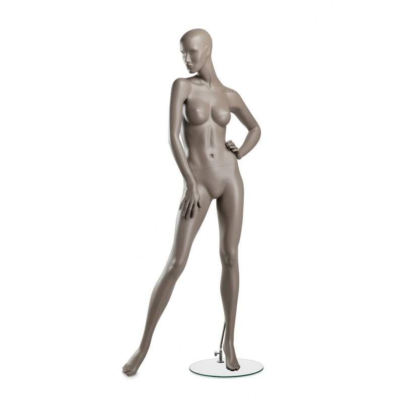 FEMALE MANNEQUIN – COY – ARM ON HIP - HINDSGAUL